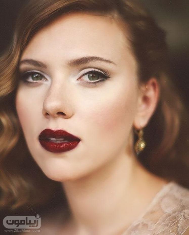 آرایش عروس با رژلب پررنگ