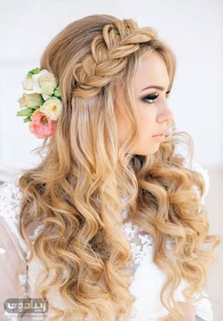 مدل موی باز عروس با گلهای طبیعی