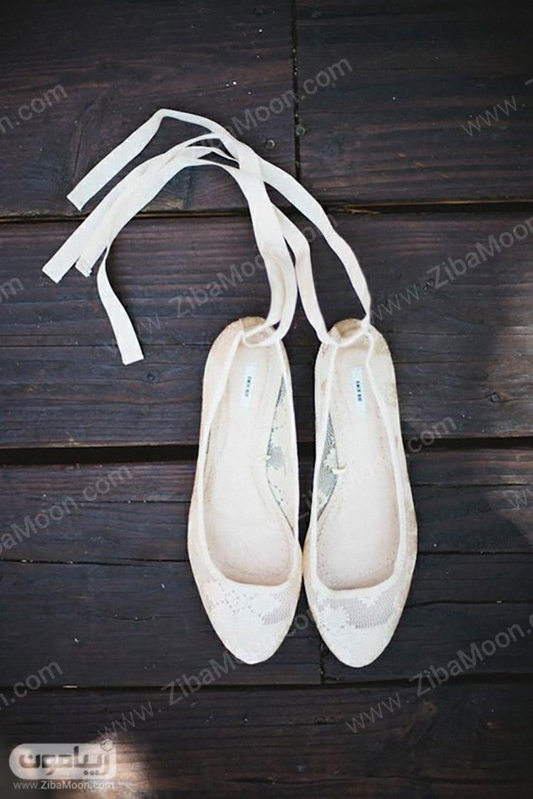 کفش عروس با پاشه تخت و جنس گیپور