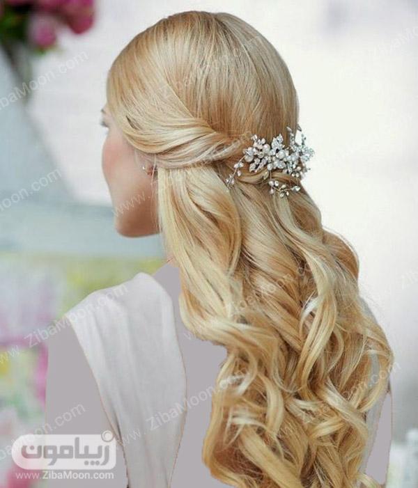 مدل مو باز عروس اروپایی با اکسسوری درخشان