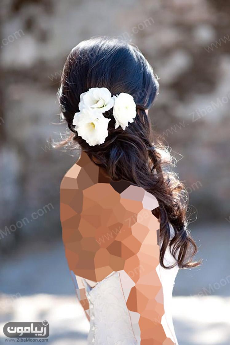 مدل مو باز با گل طبیعی سفید