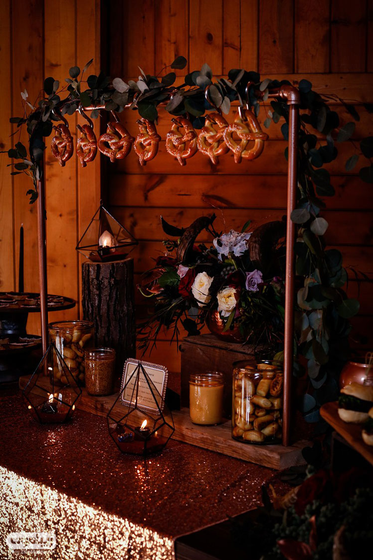 میز شام عروسی و چوب شور