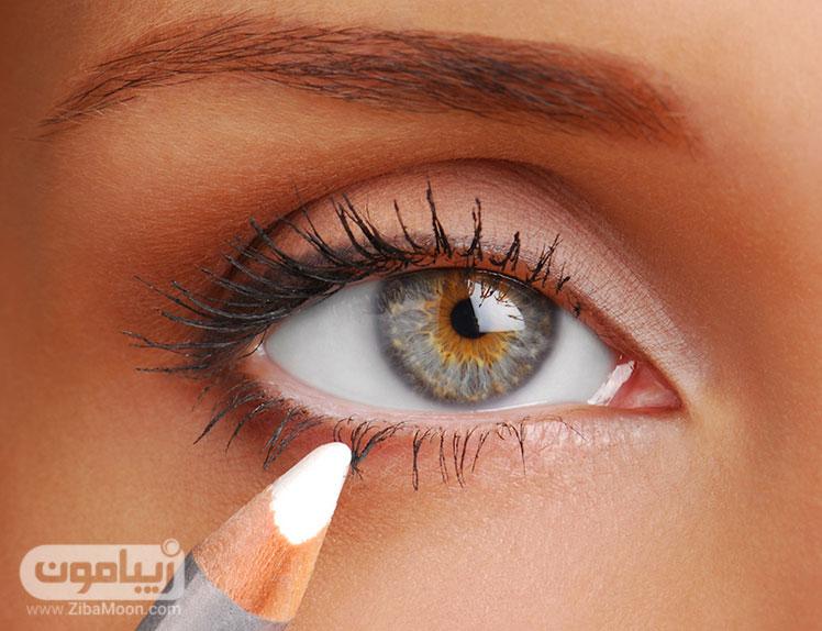 مداد چشم سفید