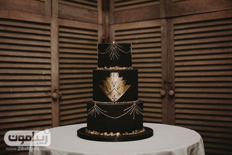 کیک عروسی مشکی طلایی مجلل