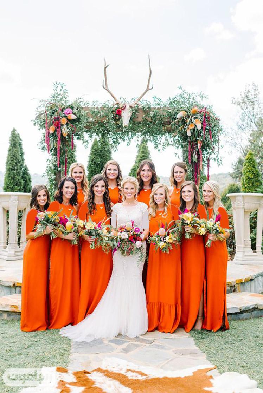 ساقدوش عروس با لباس نارنجی