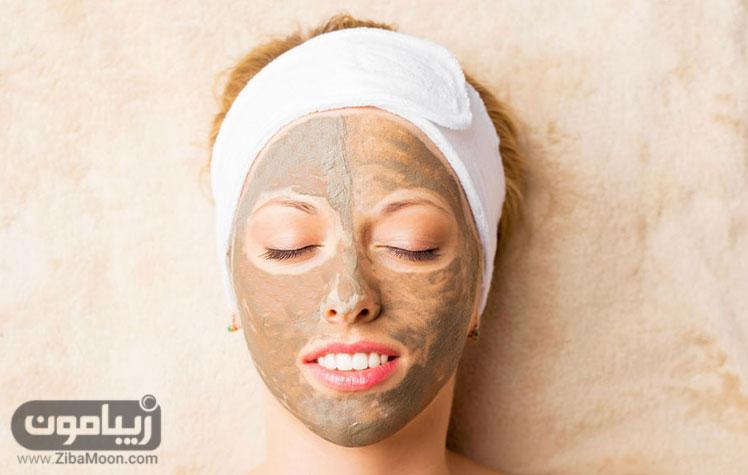 ماسک گل رس بر روی صورت برای چاقی صورت
