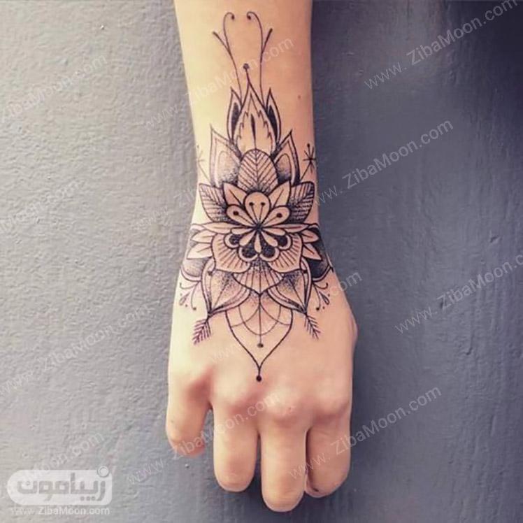 طراحی حنا هندی به شکل گل زیبا
