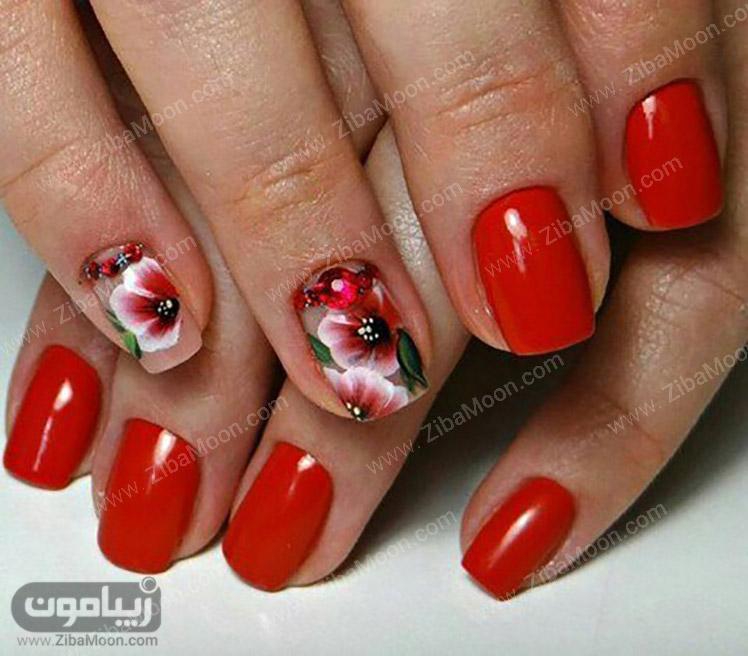 لاک قرمز و طرح گل