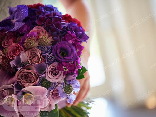 دسته گل عروس با گل های بنفش