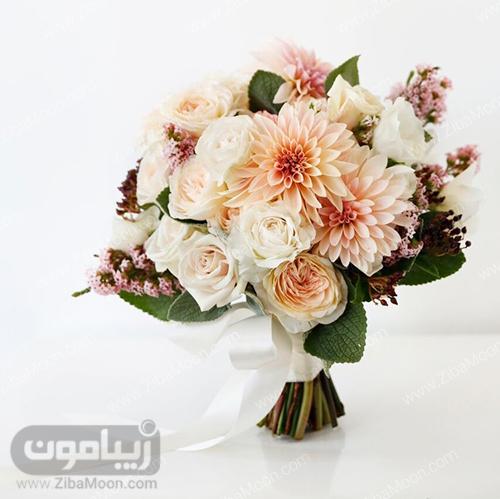 مدل دسته گل عروس با گل رز و میخک هلویی