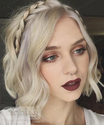 بافت مو تلی روی موهای کوتاه و بلوند