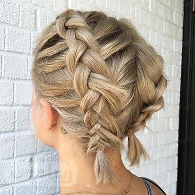 بافت مو خاص و زیبا روی موهای کوتاه