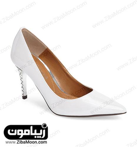 کفش پاشنه بلند سفید مرواریدی عروس با پاشنه ی کار شده پوست ماری