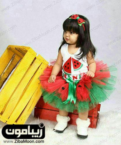 عکس بچه با تم یلدا