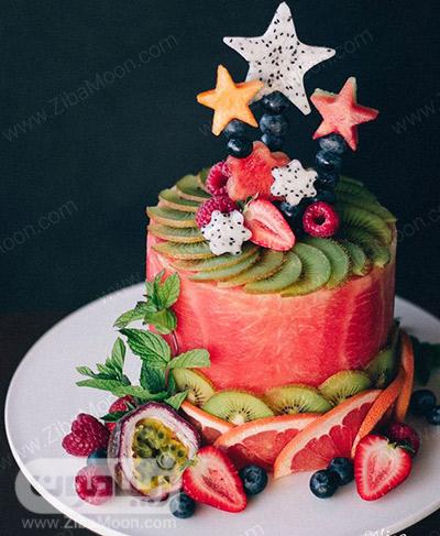 کیک هندوانه با تزیین میوه برای شب چله