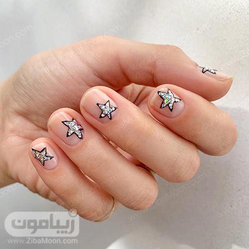 طراحی ناخن ستاره ای