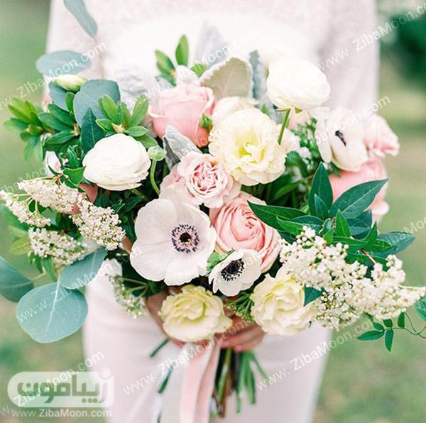 دسته گل عرس با گلهای بهاری