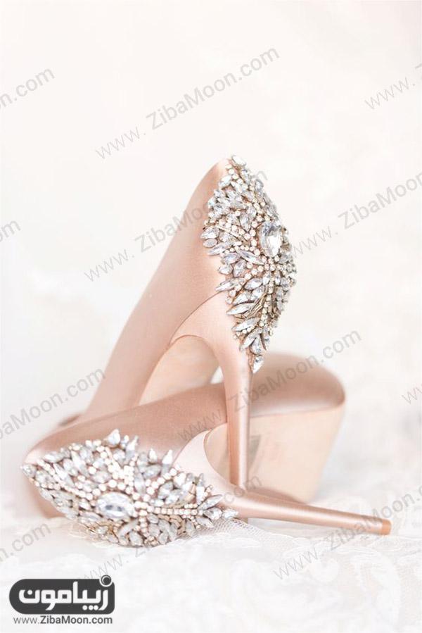 کفش عروس پاشنه بلند رزگلدی و نگین دار