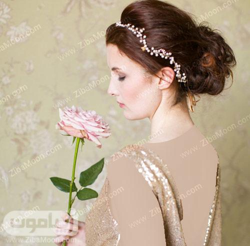 استایل عروس با یک شاخه گل رز صورتی