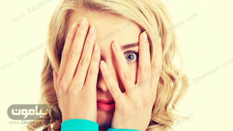 ترسیدن و بستن چشم ها