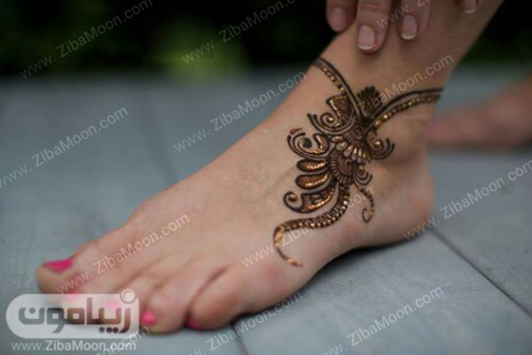 نقش حنا زیبا روی پا