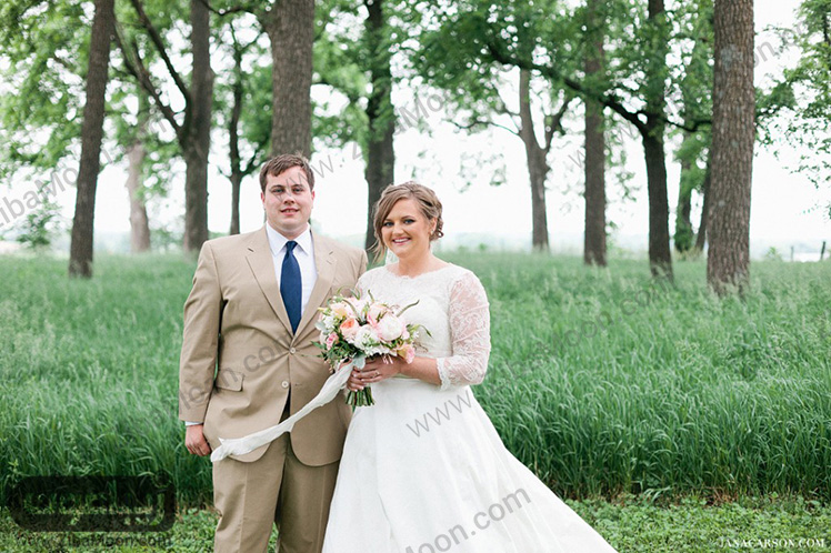 عروس و کت شلوار داماد
