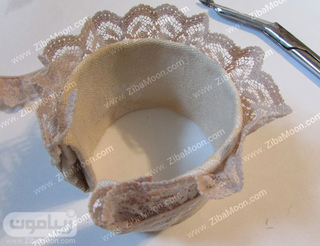نوار گیپوری روی لبه دستبند