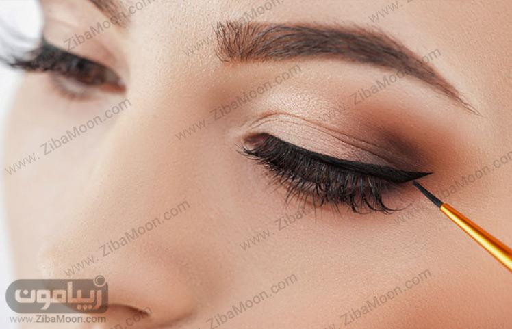 کشیدن خط چشم مایع