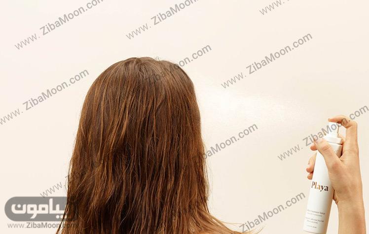 اسپری زدن به موها