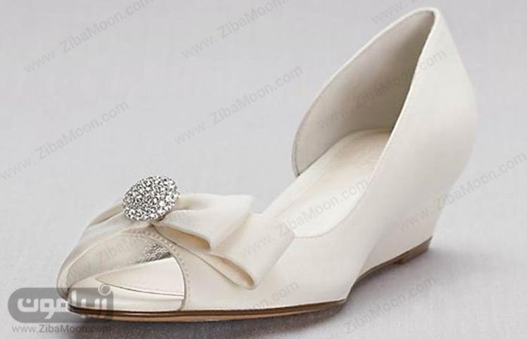 کفش سفید لژدار