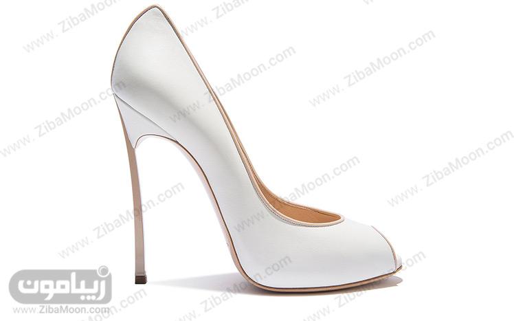 کفش ناخنی سفید رنگ
