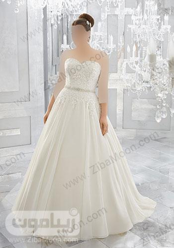 لباس عروس با یقه دلبری و بالاتنه کار شده و کمربند