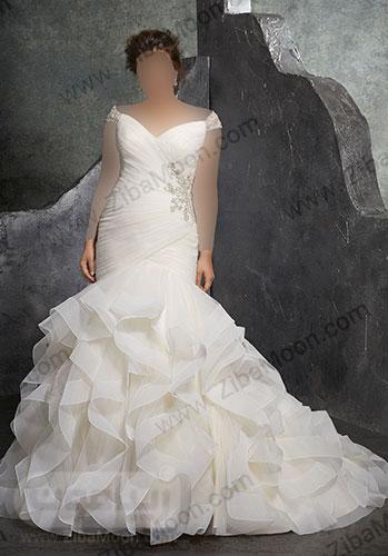لباس عروس دم ماهی با یقه دلبری