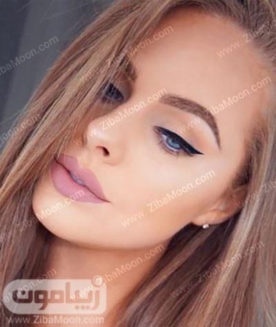 آرایش لایت با خط چشم مشکی و زیبا
