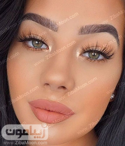 آرایش لایت با سایه چشم طلایی