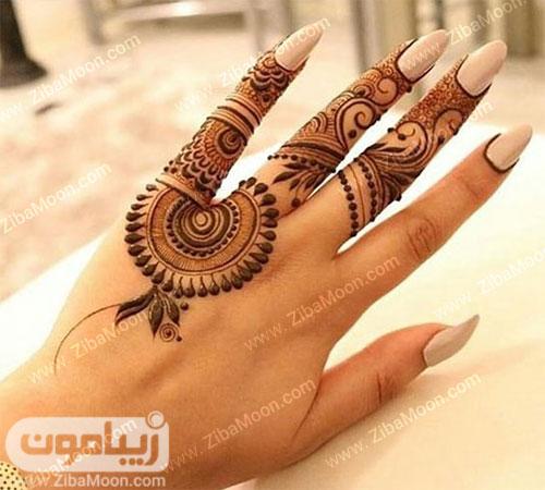 طرح حنا پاکستانی شیک روی انگشتهای دست