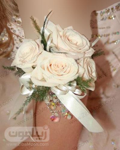بازوبند گل رز سفید عروس