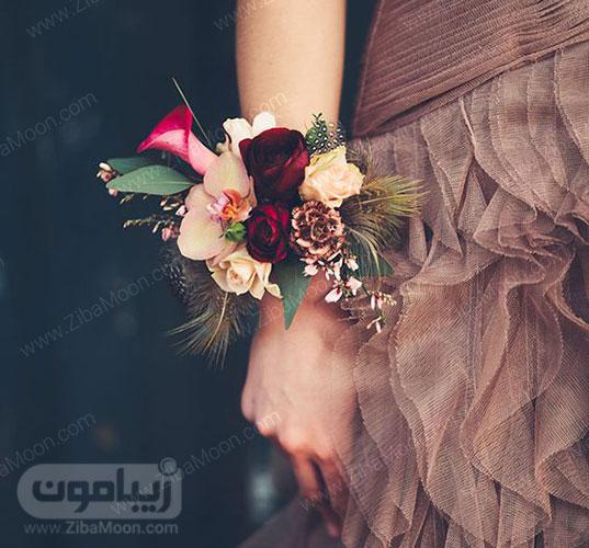 مچ بند گل عروس با گل شیپوری، میخک و ارکید