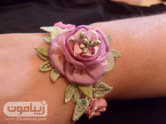 مچ بند گل عروس با گل صورتی و گیپور