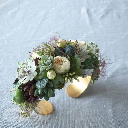 مچ بند گل عروس با گل های سبز و گوشتی
