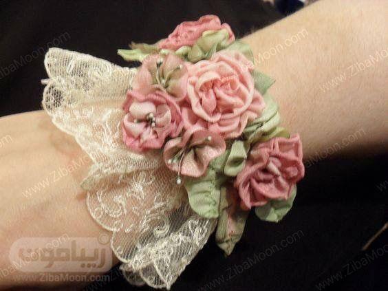 مچ بند گل عروس با گل پارچه ای صورتی و سبز