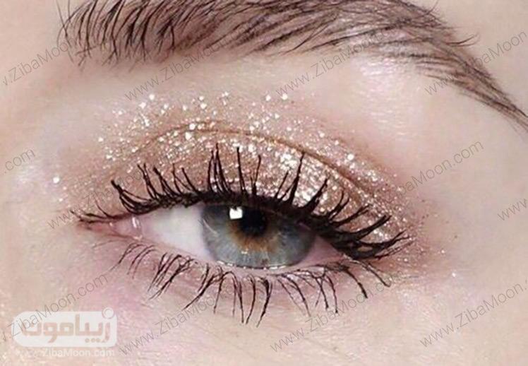 آرایش چشم لایت با سایه طلایی اکلیلی