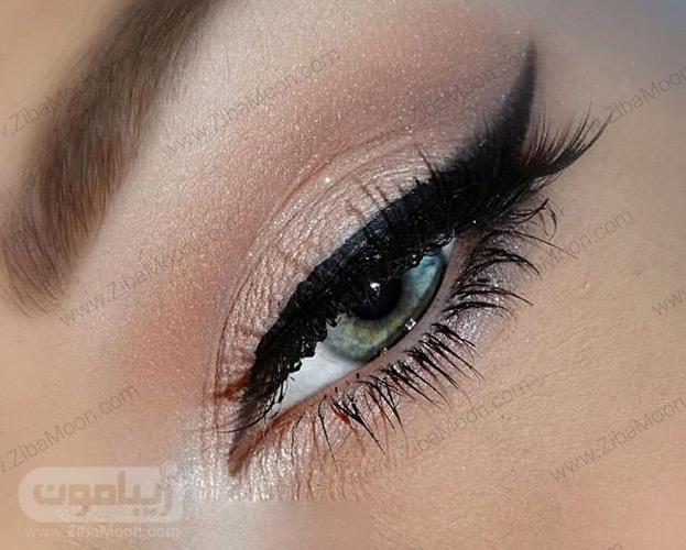 خط چشم گربه ای زیبا