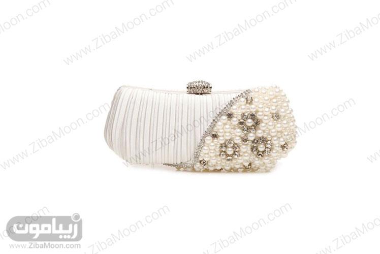 کیف عروس کار شده با مروارید و ساتن سفید