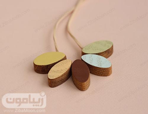 گردنبند چوبی با روکش رنگی