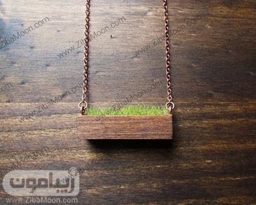 گردنبند چوبی رو مانتویی با طراحی جالب