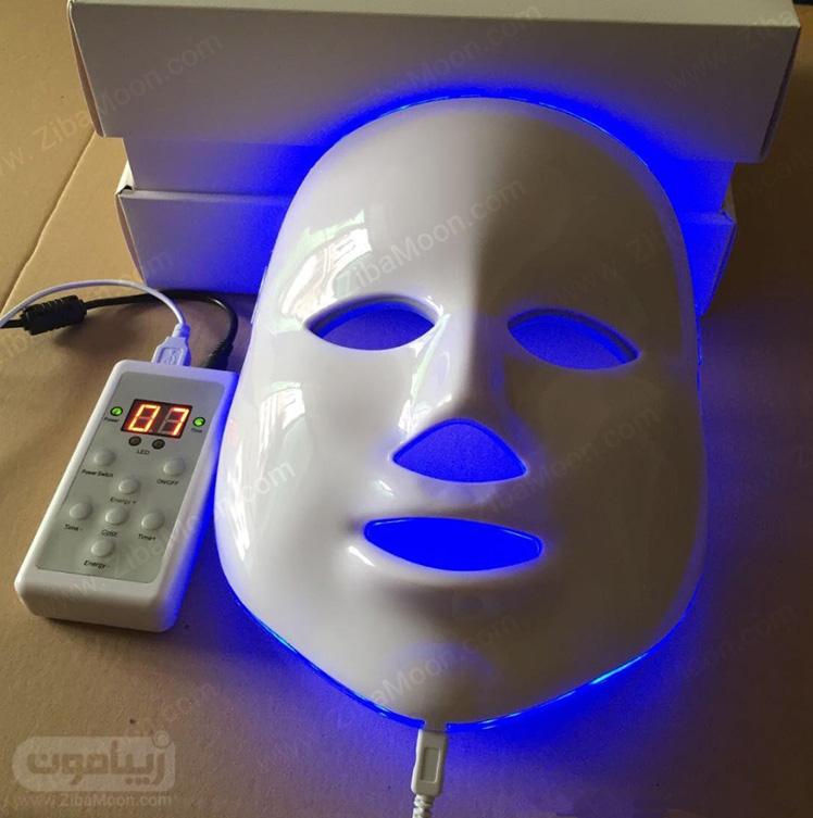 ماسک نور جوانسازی