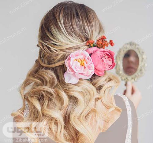 مدل مو باز و متوسط عروس با تزیین گلهای طبیعی