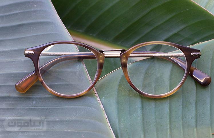 عینک طبی با طرح چوبی