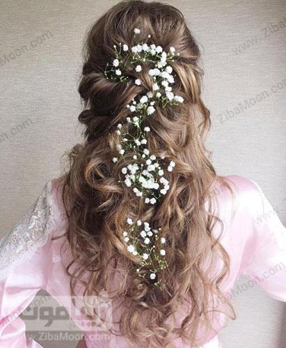 شینیون مو باز با گل های سفید ریز